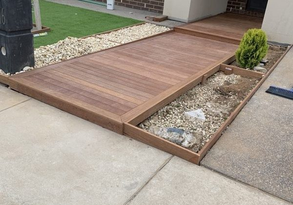 decking-landscaping-front-entry_600x800
